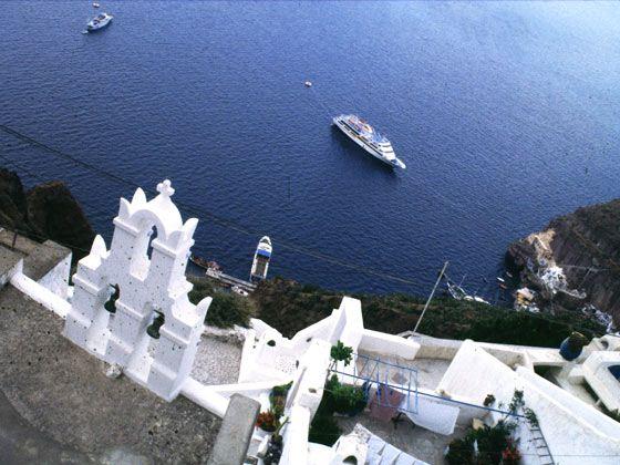 第2天 雅典-米克诺斯岛 早餐:团餐 午餐:自理 晚餐:自理 住宿:3星